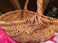 Vintage wicker shopping basket 70s