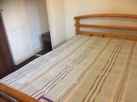 One Bedroom in Flatshare - Please call 07572 528 106