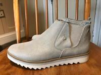 Brand New Ladies boots size 5 Marco Tozzi