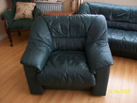 3 seater settee and 2 armchairs