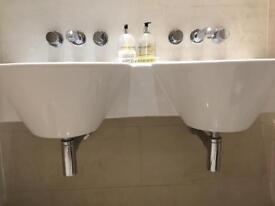 Ceramic double basin