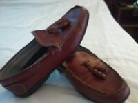 SUPER TRENDY MENS DESIGNER RED TASSLE LOAFERS BY V&D (ITALY) COST £95 NEW / PERFECT CONDITION / UK10