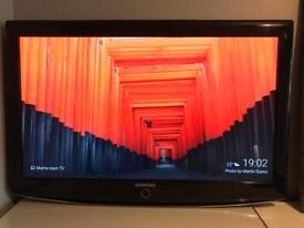 """Samsung 37""""lcd hd tv with built in freeview"""