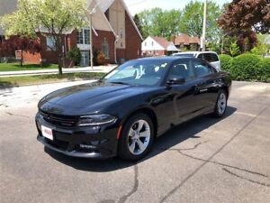 2017 Dodge Charger SXT- POWER GLASS SUNROOF, HEATED SEATS