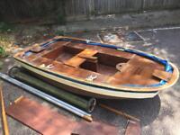 Wooden dinghy boat £250