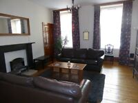 Glasgow Woodlands very spacious 2 bedroom main door flat to let fully furnished and equipped