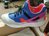 Nike Air HUARACHE Sz 9 Ltd Eds BARGAIN £45