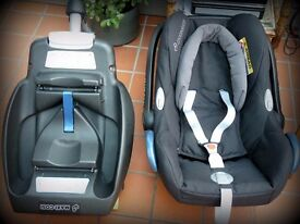 Maxi Cosi Cabriofix Baby Car Seat and Isofix Base. Excellent Condition