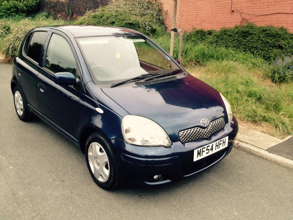 toyota yaris 2004 54 plate 1 0 t spirit 5dr 100 very low millage in sheffield south. Black Bedroom Furniture Sets. Home Design Ideas