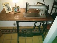Vintage Singer heavy duty sewing machine