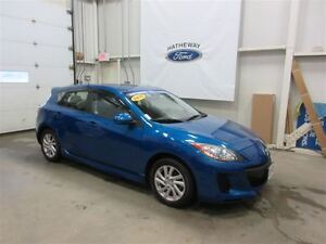 2012 Mazda MAZDA3 GS-SKY + 4 WINTER TIRES