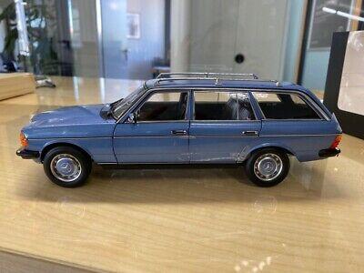 Mercedes Benz 200 T-Modell W123 B66040671 Modell 1:18 Limitiert 1000stk. Blau