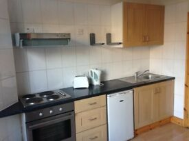 099T-BF-WEST KENSINGTON-MODERN STUDIO FLAT, SINGLE PERSON, FURNISHED, BILLS INCLUDED-£225 PER WEEK