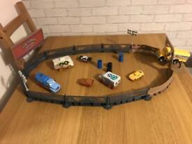 Disney Pixar Cars 3 Crazy 8 Crashers Smash & Crash Derby