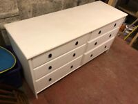 White chest of drawers, with 6 drawers