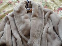 Lovely soft thick ladies dressing gown (as new)