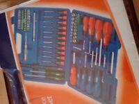 70 piece screwdriver & bit set brand new