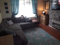 3 bed house wanting 4 bed or parlour.