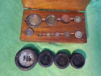 Imperial weights, various, with original wooden box