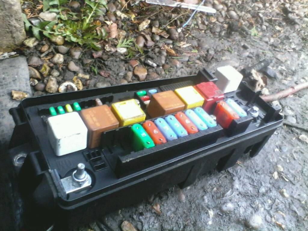 Vectra 19 Cdti Fuse Box Relay 2002 2009 In Roundhay West Mini Cooper S