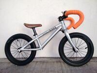 "(2691) 14"" Lightweight Aluminium EARLY RIDER ROAD RUNNER BALANCE BIKE Age:3-5, 96-110cm"