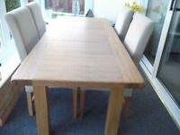 Oak Extending Dining Table & 6 Chairs