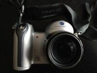 Konica Minolta dimage z3 . 4.0 mega pixels with Jessop case & strap nice little camera