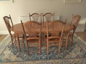 Extending Oak Dining Room Table and 6 Chairs