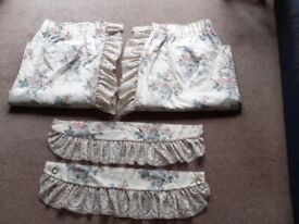 Vintage Dorma Cream Floral Fully Lined Curtains + Tiebacks, Swags & Tails