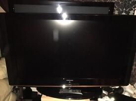 """Samsung 40"""" HD LCD TV for sale"""