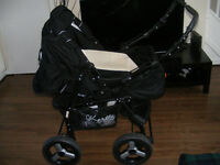 Black/white pram/pushchair
