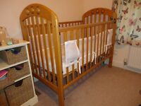 Mamas and Papas Cot in great condition