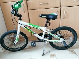 Apollo Force BMX style Kids' Bike in excellent condition including Elbow and Knee Pads Set