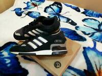 2 pairs of men trainers for sale
