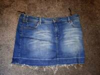 Ladies Oasis skirt size 12