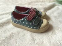 Clarks girls shoes size 4G