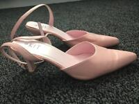 Ladies size 6 Slingback shoes