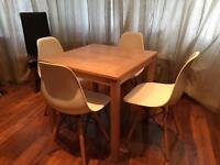 Dining Table and 4x Chairs