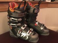 Ski boots - Tecnica size 8