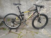 Giant XTC Team. Full Suspension Mountain Bike