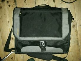Targus laptop bag new condition