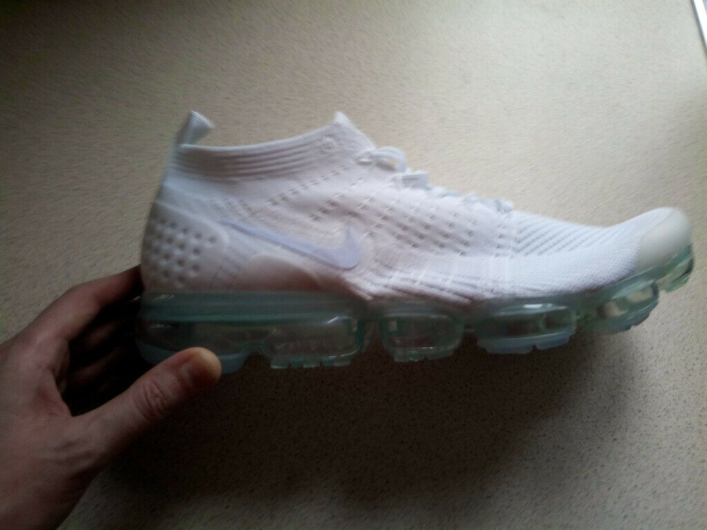Nike Air Vapormax 2 - NEW - SIZE 9  46eaa8a1c