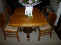 SOLID WOOD EXTENDABLE DINING TABLE & CHAIRS