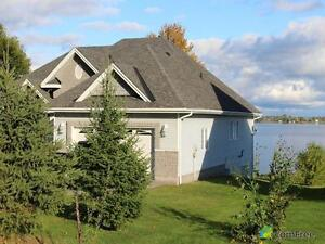 $869,000 - Bungalow for sale in Calabogie Kingston Kingston Area image 2
