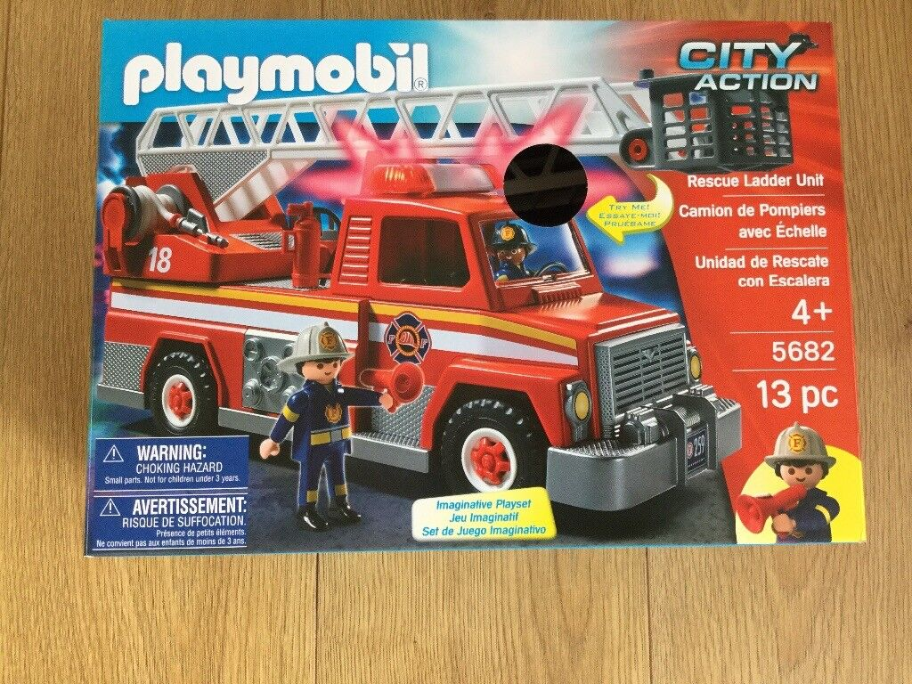 PLAYMOBIL CITY ACTION FIRE ENGINE RESCUE LADDER UNIT 5682 RRP£40.