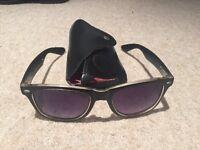 Men's Rayban Wayfarer Sunglasses