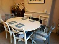 Extendable Vintage dining table with 6 chairs