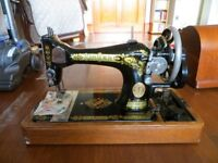 Singer sewing machine early 20th century