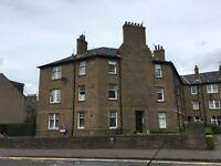 Lovely ground floor flat in quiet well kept block - Queen Street Broughty Ferry