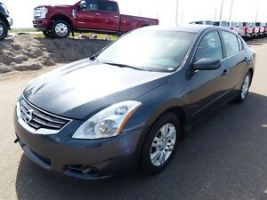 2010 Nissan Altima 2.5S, Sunroof, Heated Seats/Mirrors